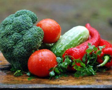 cvetni-hrani-gonqt-bolestite-zelenchuci-2